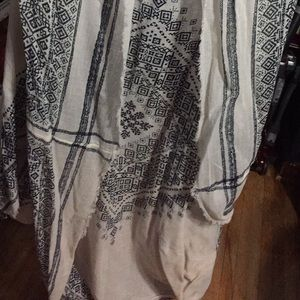American Eagle Outfitters Other - Worn once cream AE one size shawl/cover up